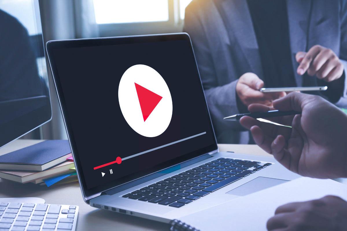 วีดีโอรวบรวมความรู้เกี่ยวข้องกับ Robot trading  และนำเสนอระบบการลงทุนที่น่าสนใจของบริษัท.